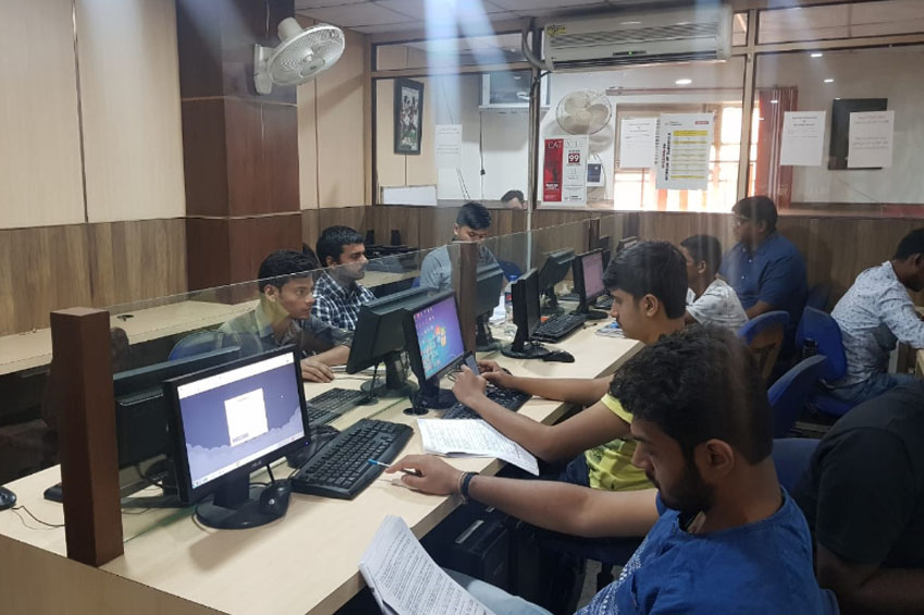 //www.careerlauncher.comCL Ranchi boasts of a state-of-art infrastructure spread over 4000 sq. ft , with a rich, well-stocked library, and an IT Lab supported by Optical fiber connections. The highly student centric activities along with a qualified faculty pool ensures that all the students outperform themselves